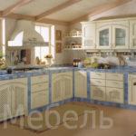 Кухня с фасадами массив ясеня