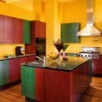 Красно-зеленые кухни