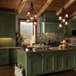 Матовые зеленые кухни