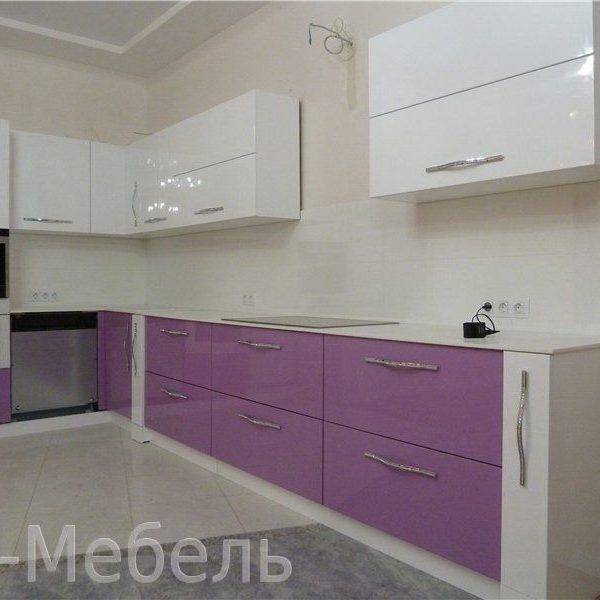 Глянцевая кухня МДФ, бело-фиолетовая