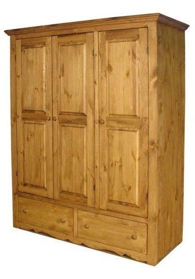 Шкаф трех дверный из сосны