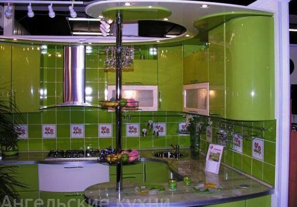 Глянцевая зеленая кухня, на заказ