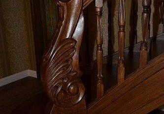 Полукруглая лестница из дуба