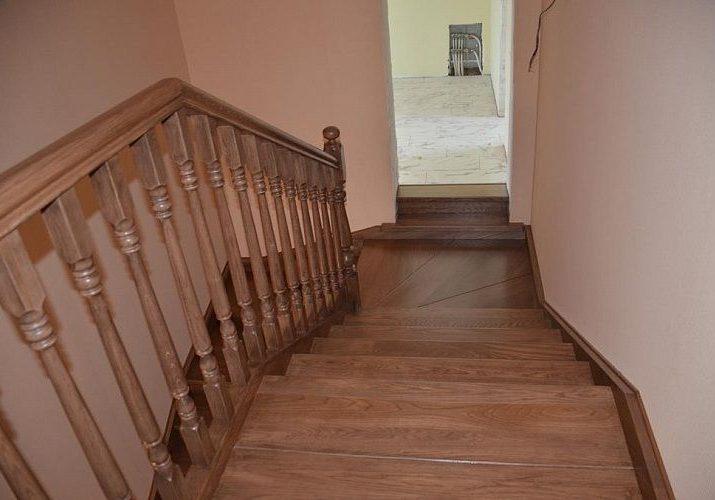 Марш деревянной лестницы из дуба