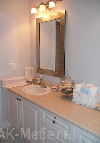 Недорогая мебель для ванной с фасадами пленка