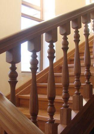 Деревянная лестница по дизайн проекту