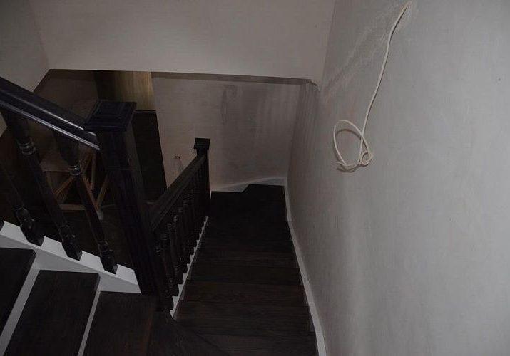 Ступени лестницы из дуб, тонировка венге