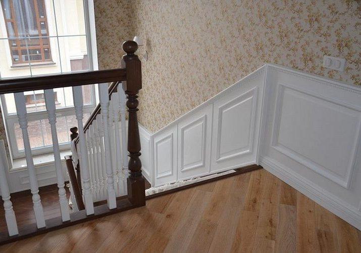 Стеновые панели для лестницы из массива дерева