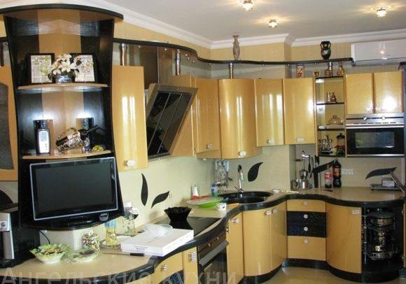 Необычная кухня, золотого цвета