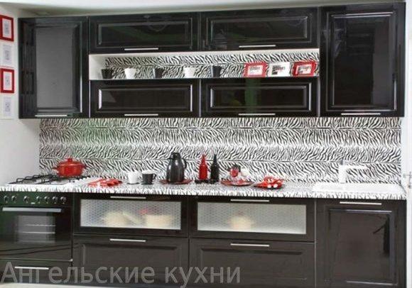 Прямая черная кухня глянец