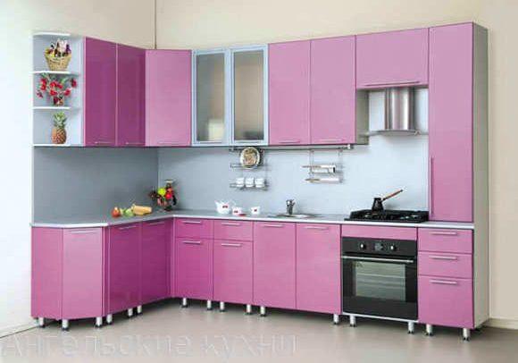 Недорогая угловая лиловая кухня