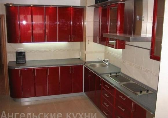 Красная кухня, фасады эмаль глянец