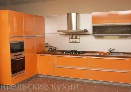 Кухня из пластика, оранжевая