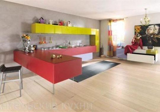 Подвесная кухня с необычным дизайном