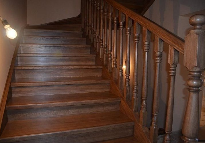 Перила и балясины лестница из дуба