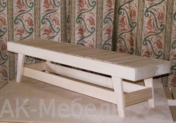 Скамейка из дерева для сауны
