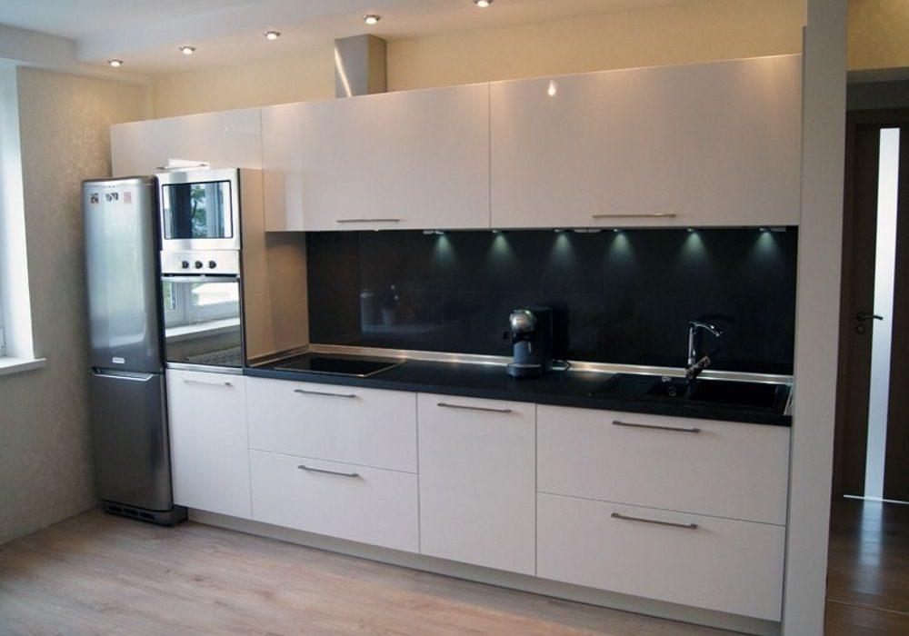 Белая кухня с прямыми фасадами МДФ эмаль