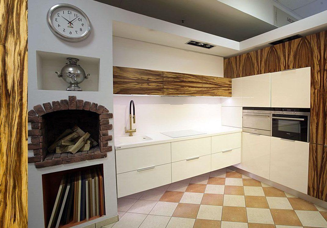 Белая кухня с шпоном дерева, матовая, угловая