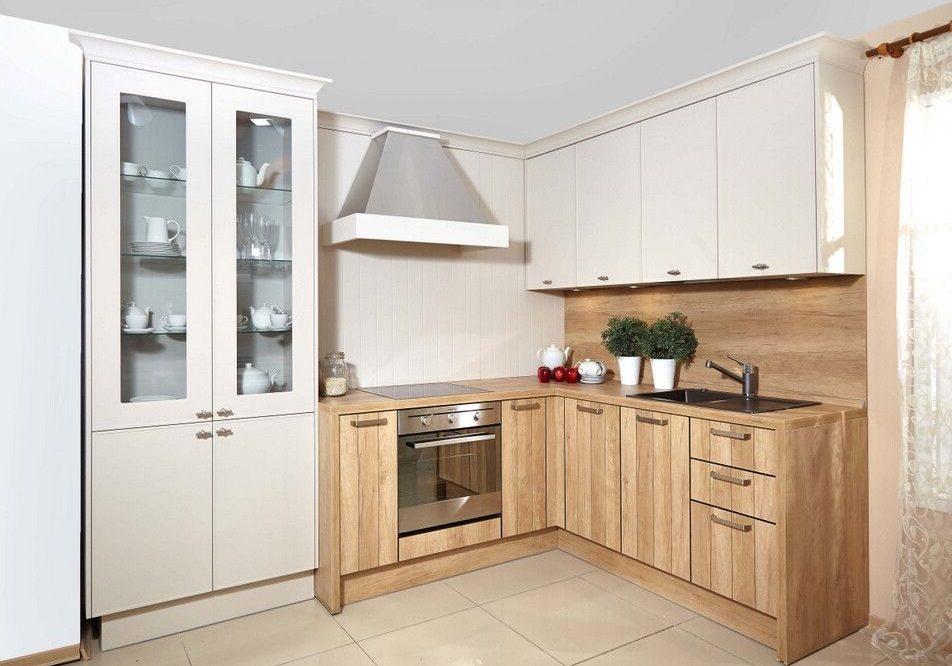 Белая угловая кухня с деревом, модерн