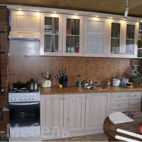 Белая кухня из сосны