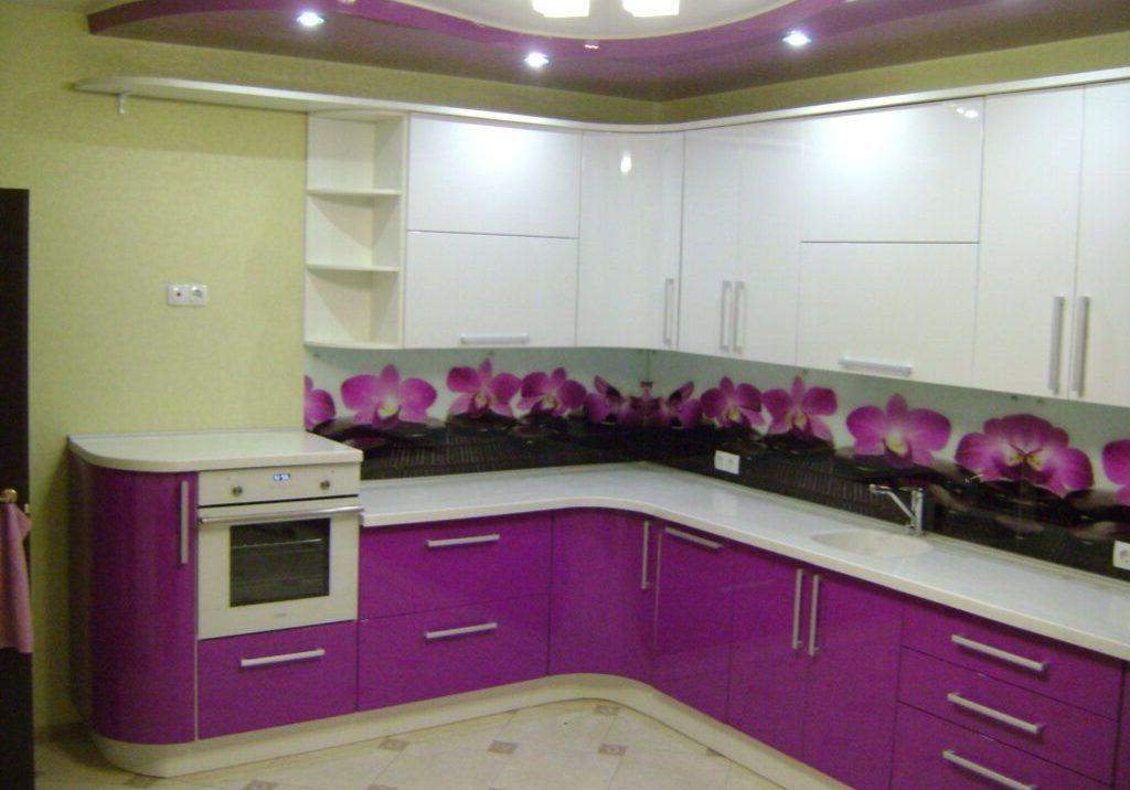 бело-фиолетовая кухня угловая эмаль глянец