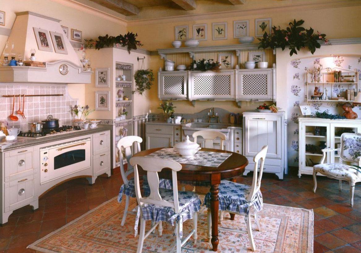Бежевая кухня прованс