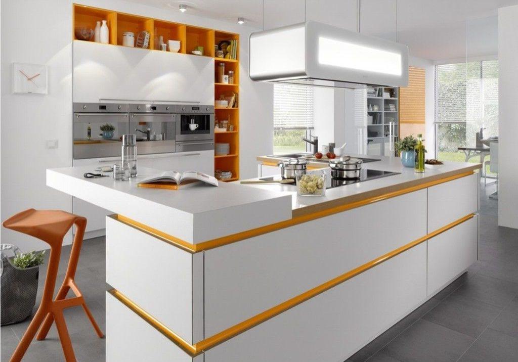 Большая кухня бело-оранжевая с островом, хай-тек