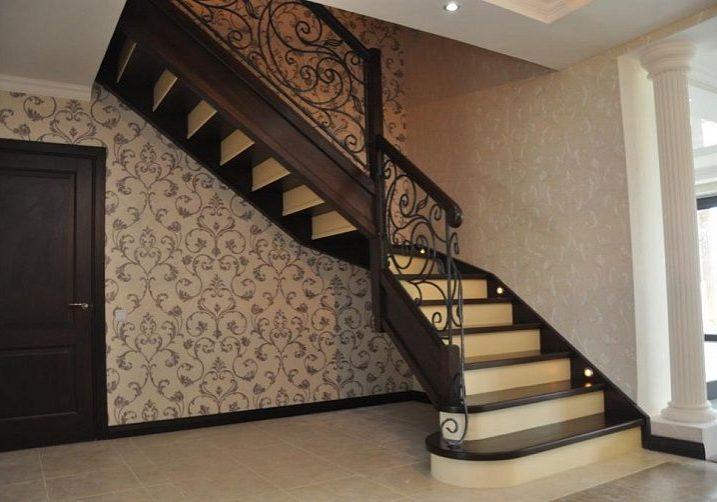 Входная зона лестницы модерн