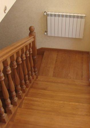 Изготовление деревянных лестниц по проекту
