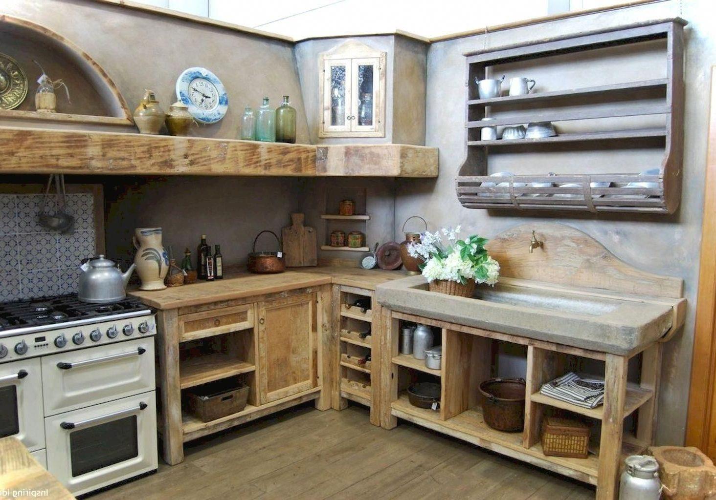 Деревянная кухня под заказ в стиле кантри