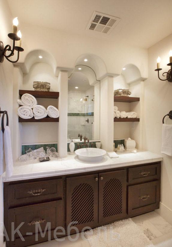 Дорогая деревянная мебель для ванной