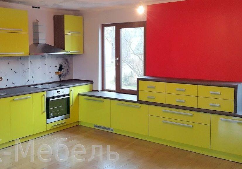Кухня желтый пластик