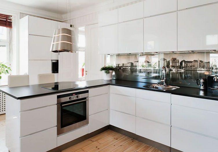 Глянцевые белые кухни