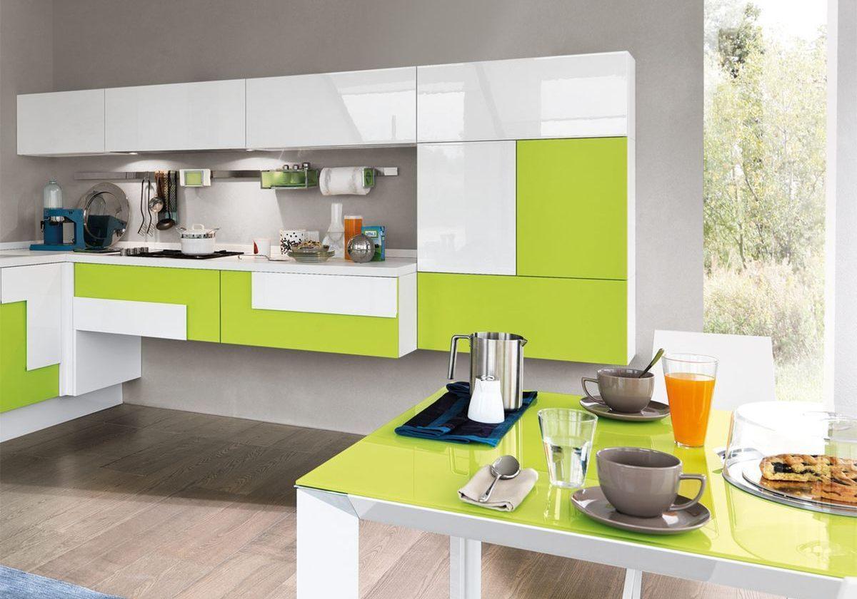 Хай тек бело-зеленой кухни