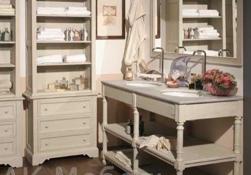 Комплект мебели из массива дерева для ванной комнаты