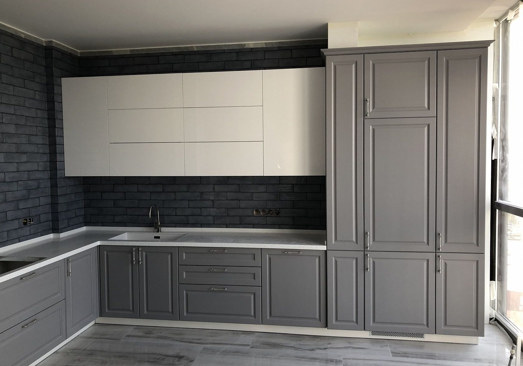 Крашенная кухня МДФ, серый низ, белый верх