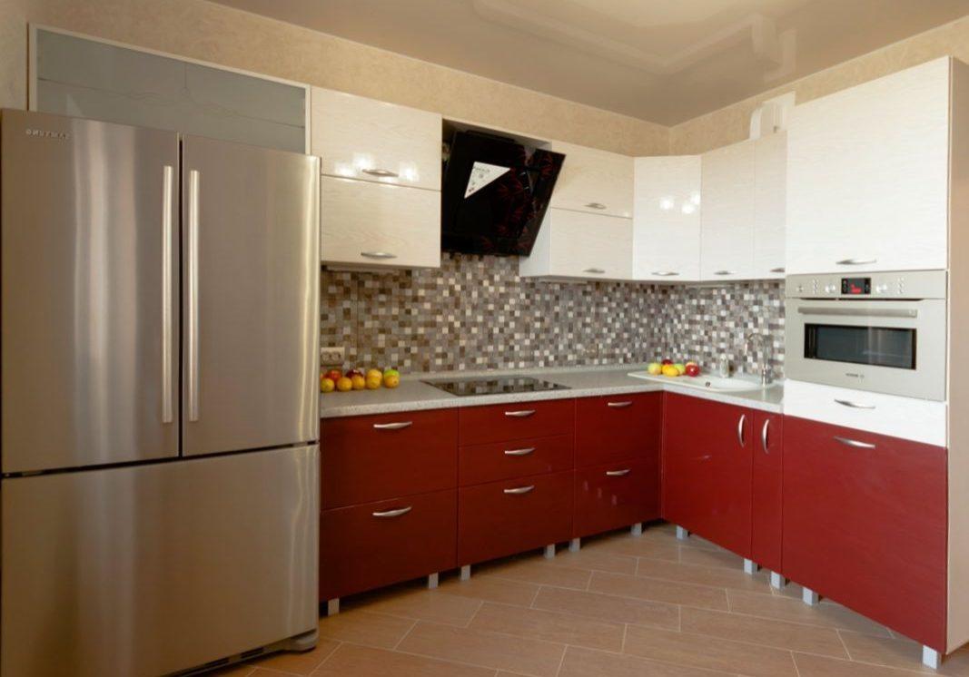 красно-белая кухня углом, глянец