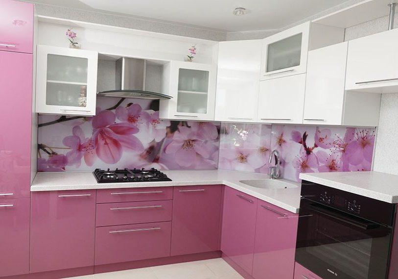 Красно-белая кухня, угловая, малиновая, МДФ пленка, эмаль