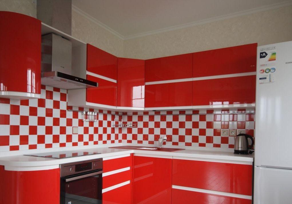 Красно белая кухня угловая МДФ глянец
