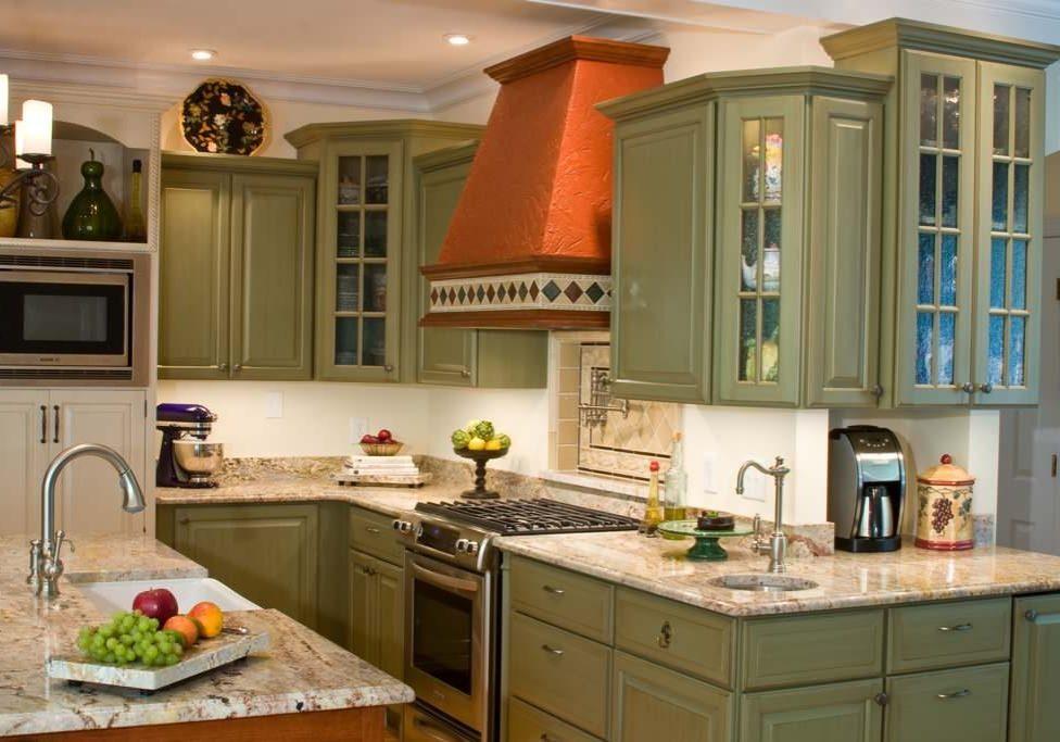Кухня болотного цвета