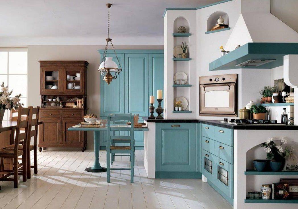 Кухня для дома с фасадами массив