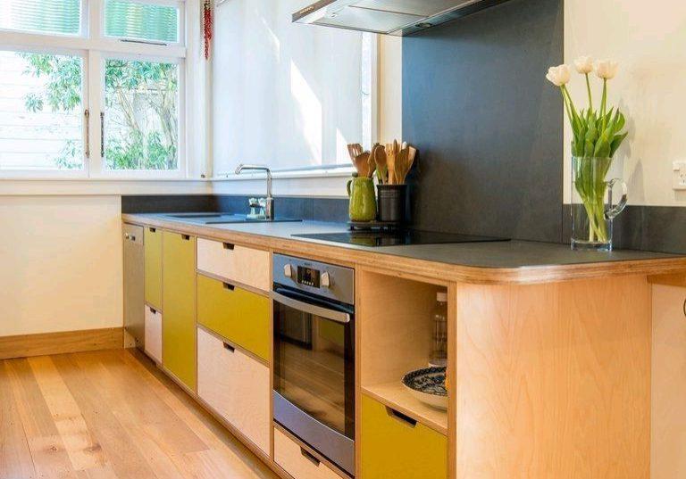 Кухня из фанеры для дома