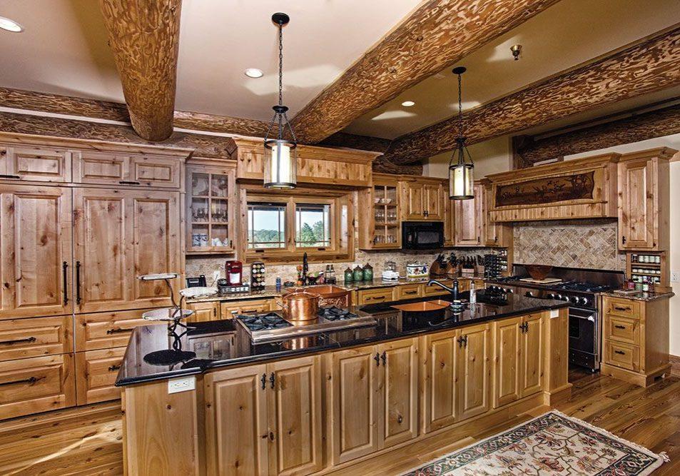 Кухня из массива дерева в стиле кантри
