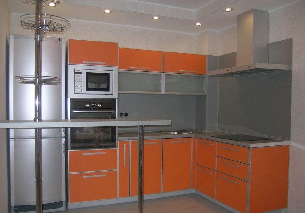 Кухня из пластика, оранжевого цвета