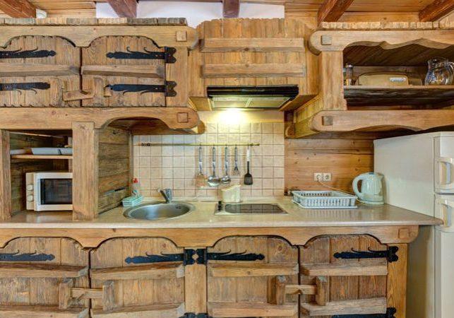 Кухня на заказ в стиле кантри