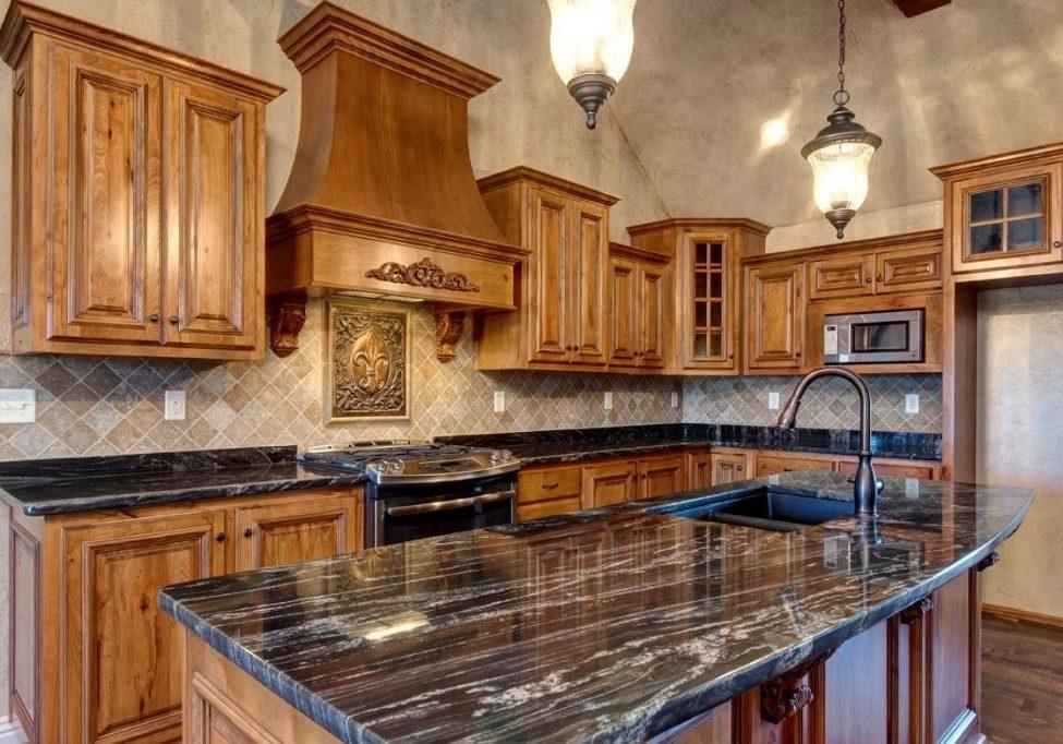 Кухня с деревянными фасадами, изготовление