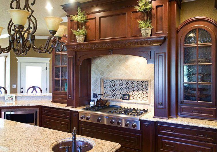 Кухня с деревянными фасадами купить