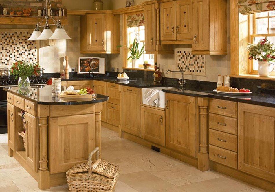 Кухня с деревянными фасадами натуральный дуб