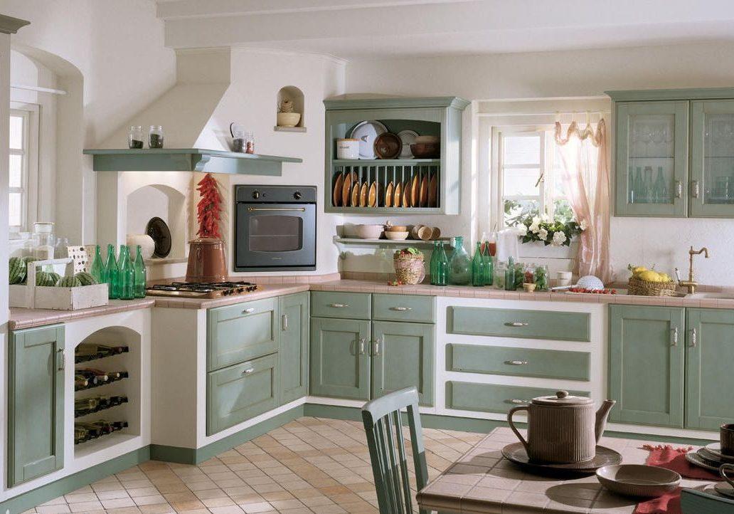 Кухня с встроенными фасадами массив