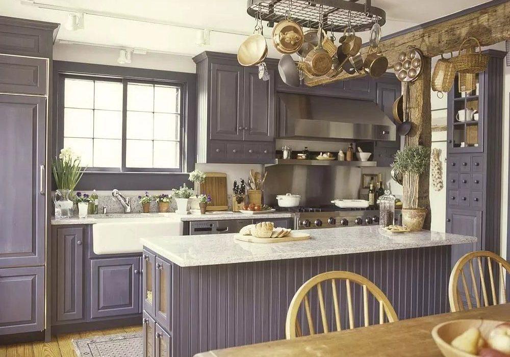 Кухня ясень крашенный, фасады массив